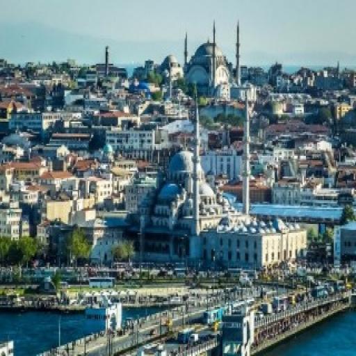 Exploring the Neighbourhoods of Istanbul